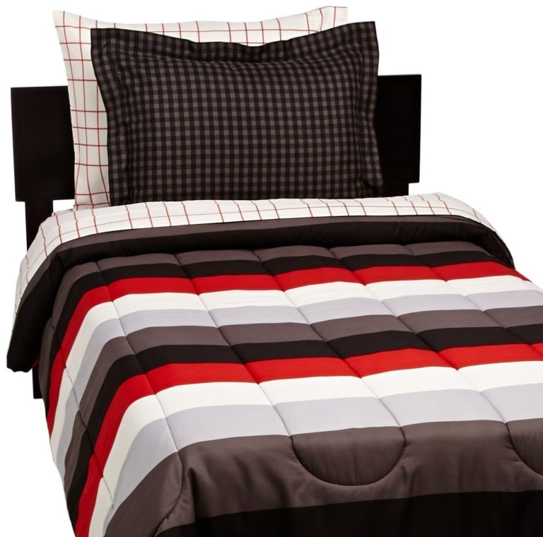 AmazonBasics 5-Piece Bed-In-A-Bag, Twin-Twin XL, Red Simple Stripe