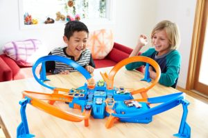 Hot Wheels Criss Cross Crash Track Set - Toys for Boys and Girls